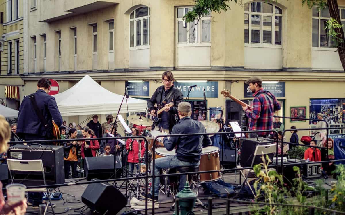 METAWARE-beim-Reindorfgassenfest-2017-c-Georg-Cizek-Graf